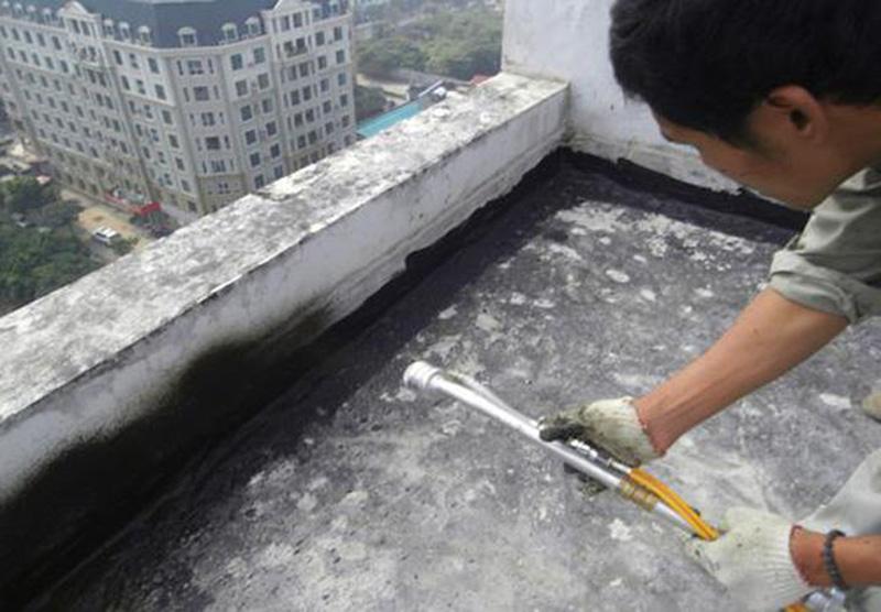 chong tham tran nha 3 - 2 phương pháp chống thấm trần nhà hiệu quả