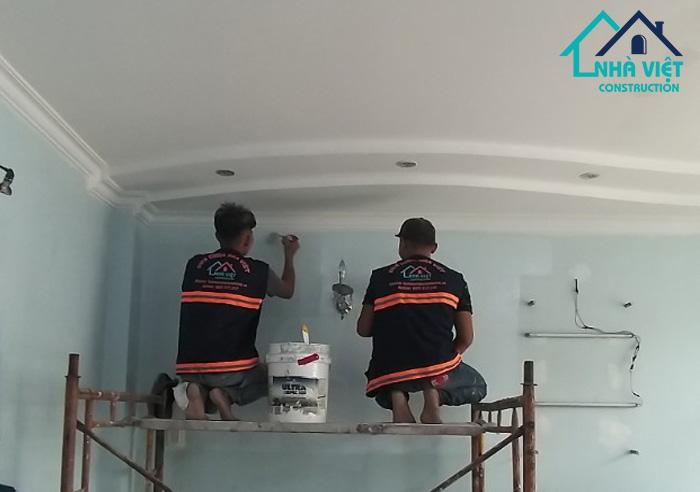 thi cong nuoc son - Thi công sơn nước nội ngoại thất