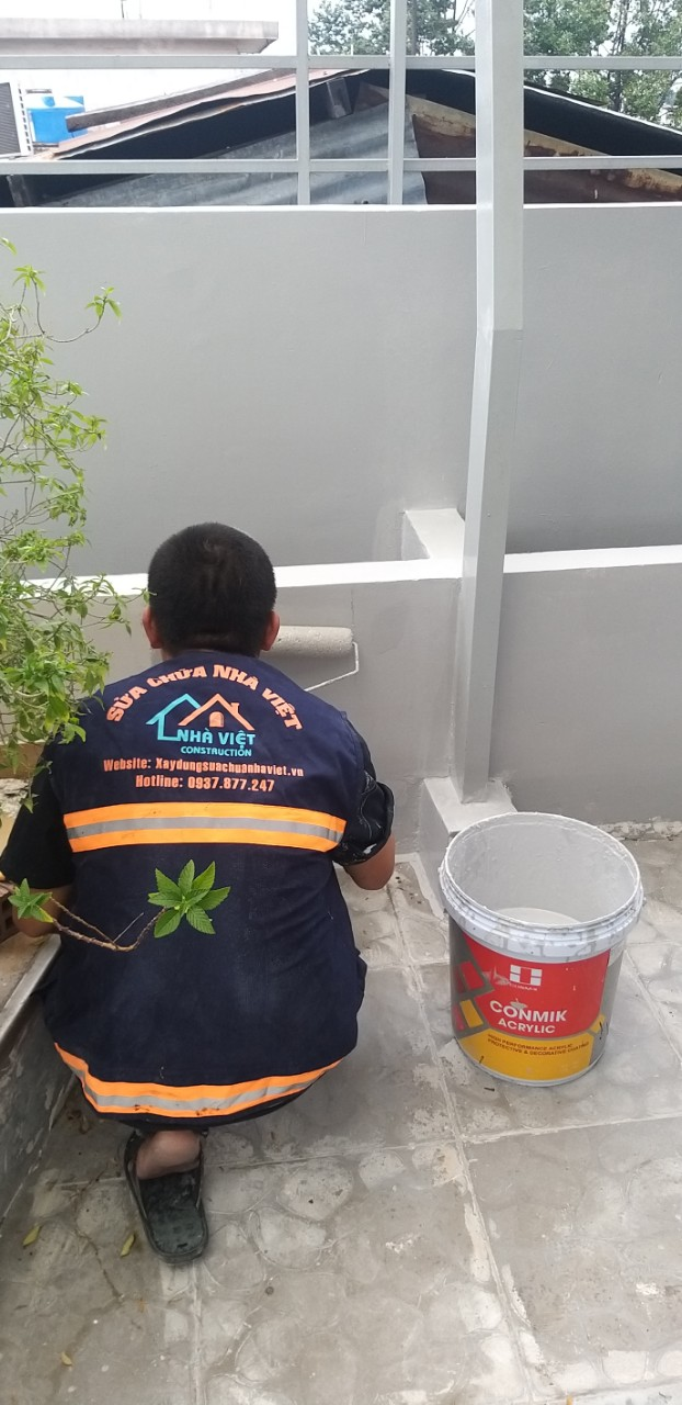 cach chong tham tuong nha cu moi xay bi nut 8 - Cách chống thấm tường nhà triệt để 100% - tiết kiệm chi phí