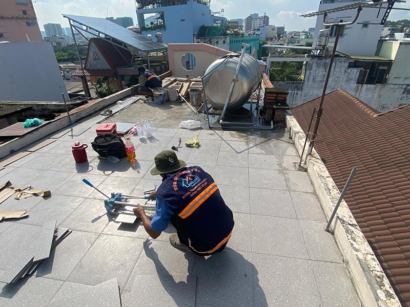 chong tham san thuong 1 - Dịch vụ chống thấm sân thượng chung cư bảo hành 5 năm