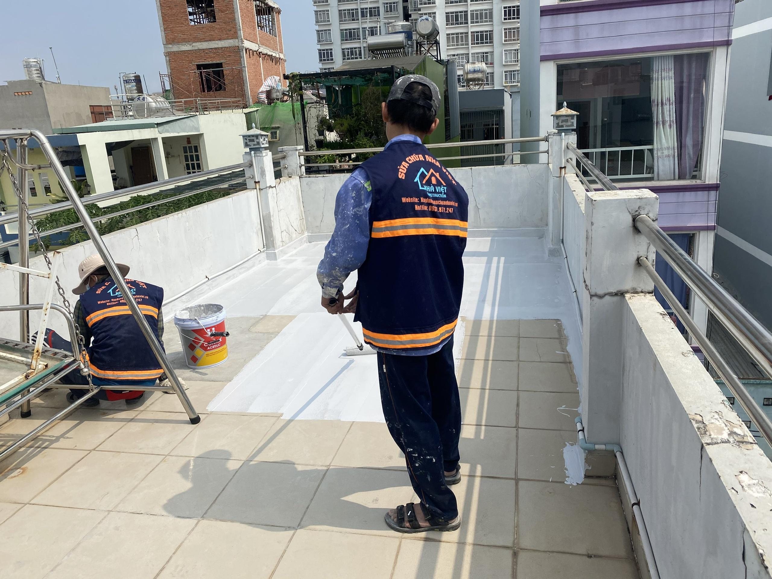 dich vu chong tham san thuong chung cu biet thu 12 - Dịch vụ chống thấm sân thượng chung cư bảo hành 5 năm