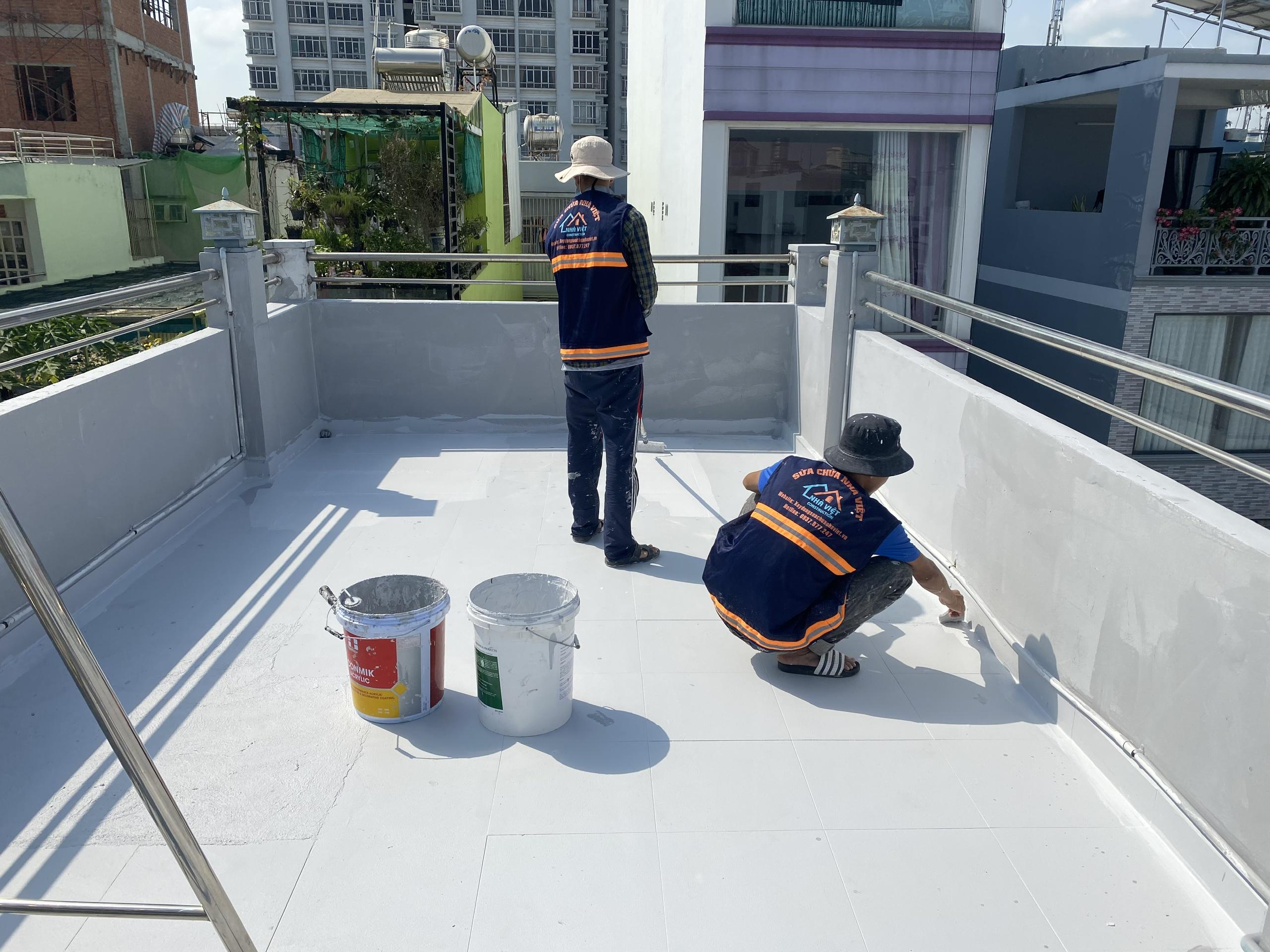 dich vu chong tham san thuong chung cu biet thu 3 - Dịch vụ chống thấm sân thượng chung cư bảo hành 5 năm