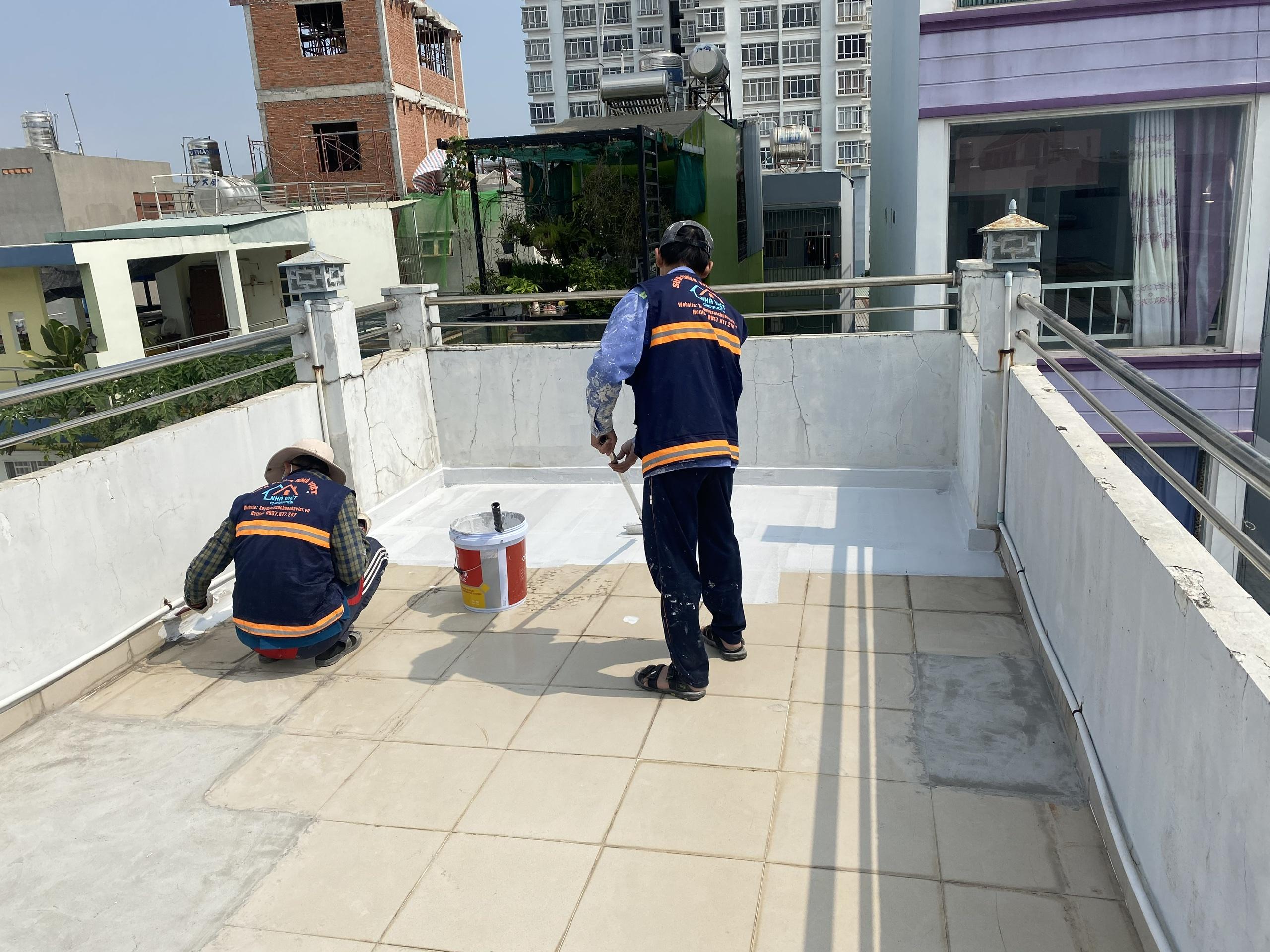 dich vu chong tham san thuong chung cu biet thu 9 - Dịch vụ chống thấm sân thượng chung cư bảo hành 5 năm