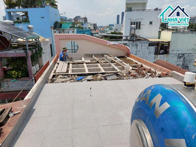 lat gach chong tham san thuong 4 1 - Lát gạch chống thấm sân thượng bảo hành 10 năm tại TPHCM
