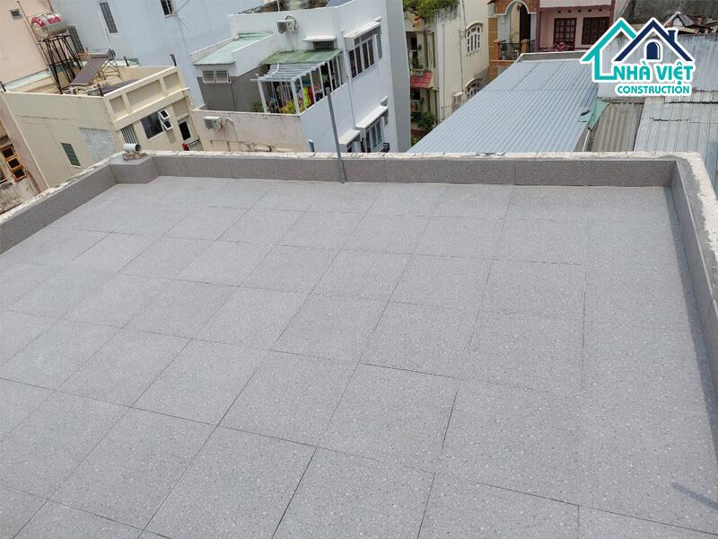 lat gach chong tham san thuong 5 1 - Lát gạch chống thấm sân thượng bảo hành 10 năm tại TPHCM