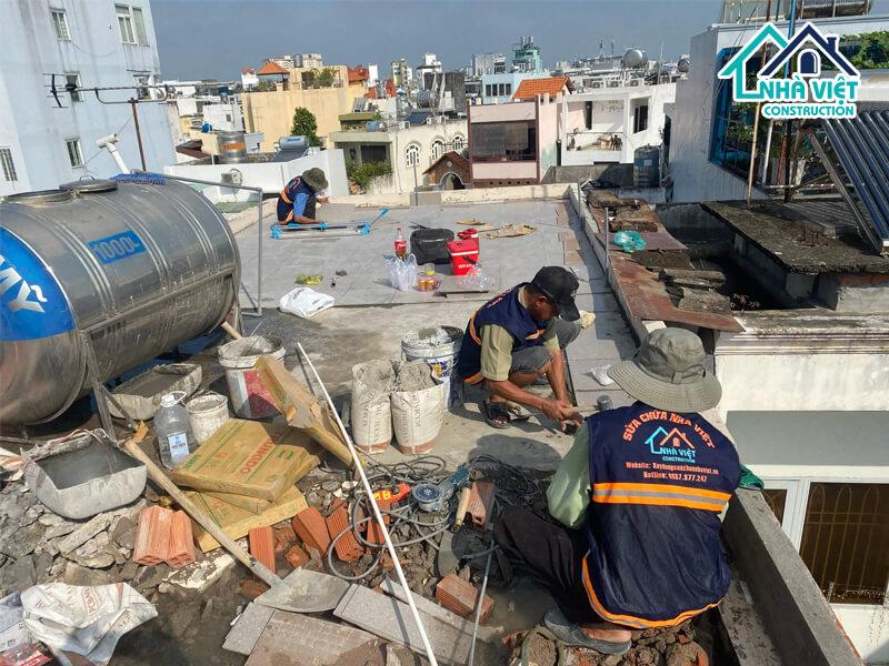 lat gach chong tham san thuong 6 1 - Lát gạch chống thấm sân thượng bảo hành 10 năm tại TPHCM