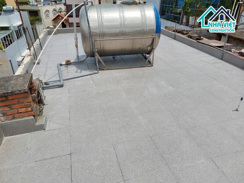 lat gach chong tham san thuong 7 1 - Lát gạch chống thấm sân thượng bảo hành 10 năm tại TPHCM