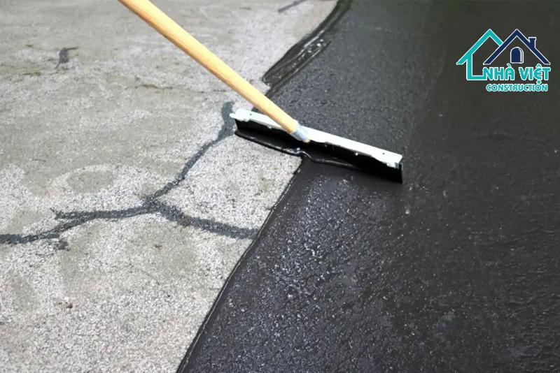 vat lieu chong tham nhua duong - 5 Vật liệu chống thấm sân thượng tốt nhất đảm bảo chất lượng hiện nay