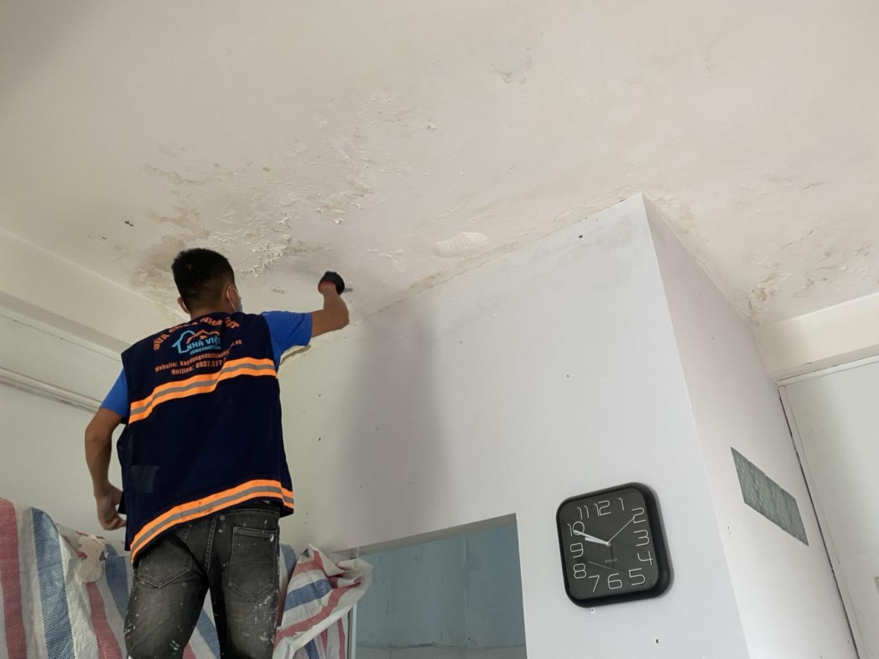 xu ly chong tham tran nha 3 - Dịch vụ sửa chữa nhà nhanh 24h