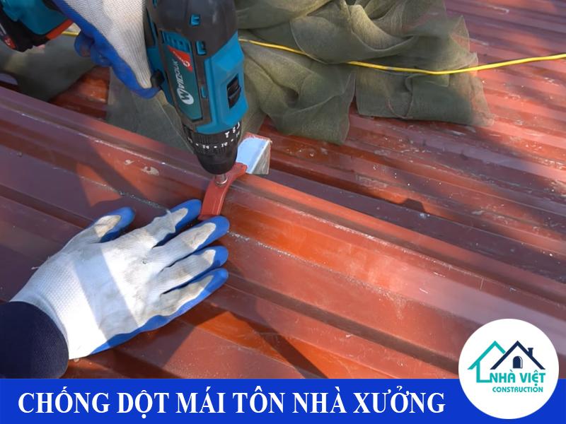chong dot mai ton nha xuong uy tin 2 2 - Chống dột mái tôn nhà xưởng uy tín giá rẻ tại TPHCM