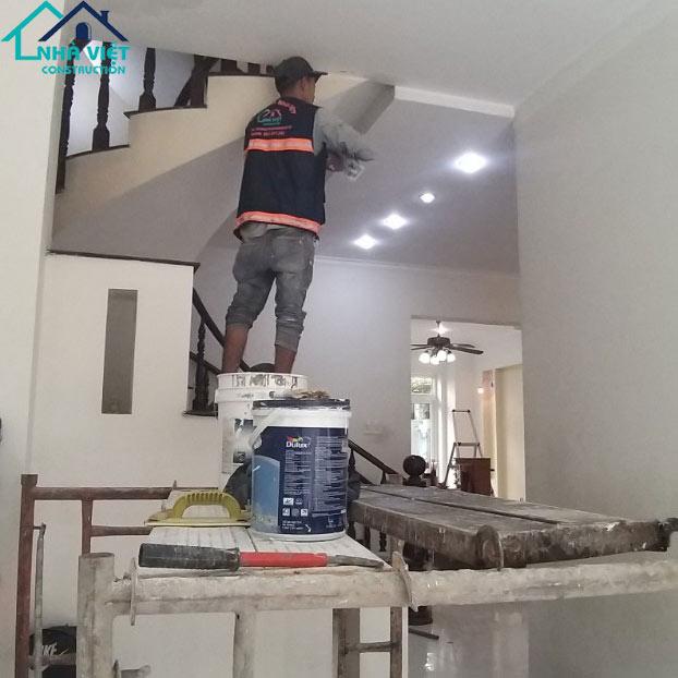 thi cong son nuoc tai quan 7 3 - Sửa nhà phố tại quận 7 TPHCM – công trình nhà Chị Hương